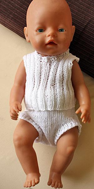 2888c3acb66 Strikkeopskrifter til BabyBorn dukke