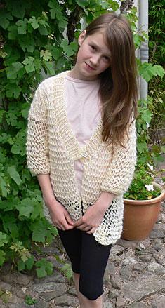 Strikket overtøj til piger i uld og bomuld garner